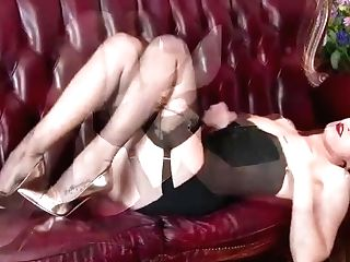 Black-haired Bursting To Spunk In Antique Corset And Nylons Wank